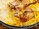 Рецепта Печено пиле с ориз и картофи в тава на фурна